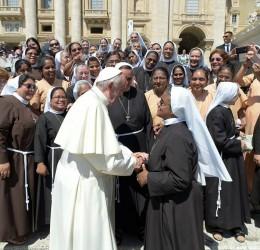 """""""Siate sante…con occhi attenti alle periferie"""": udienza generale con papa Francesco"""